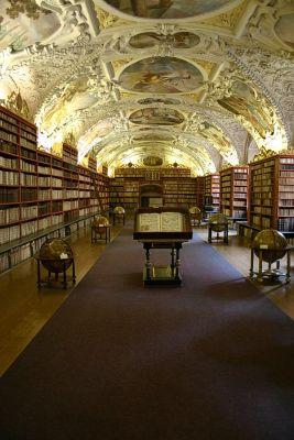 Theologischer Bibliothekssaal