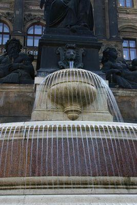 Brunnen vor dem Nationalmuseum